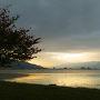 朝の諏訪湖