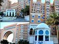Movenpick Ibn Battuta Gate Hotel Dubai https://www.movenpick.com/en/middle-east/uae/dubai/hotel-dubai-ibn-battuta/overview/?utm_source=google&utm_medium=local&utm_campaign=Glocal+dubai-ibn-battuta  あんなに並んでいた人達をさばききれるのか?と心配にもなったが、ドバイ行きのバスはバンバンやってきて一斉にお客さんを乗せて次々に出発していった。 謎のディレイであった@@;ってか勘弁してよ〜2時間近く無駄にした。  バスに揺られること1時間半ほどでドバイの「Ibn Battuta Dubai」のバスステーション到着。 ここから徒歩5分ぐらいのところにホテルを取ったのだ。  いつもの私ならチョイスしないような大型ホテル連続滞在のUAE旅(苦笑) たくさん選択肢のあるドバイホテルの中でどこにするか悩んだのだが、ビーチはあんまり...だったのでとりあえずバスターミナルから近いところにしようって思ってた。