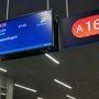 ●出発案内板@ケプラヴィーク国際空港  ゲートにやって来ました。 コペンハーゲンへ飛びます。  レイキャビク/ケプラヴィーク国際空港発 7:45 コペンハーゲン/カストラップ国際空港着 12:55 アイスランド航空204便