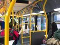 朝ごはんの後は、ゴールデンゲードブリッジにバスで向かいました。 GoogleMapで検索して、その番号のバスに乗りましたが、予定のバス停までは行かないバスだったようで、周遊で戻るバスでした。 ゴールデンゲードブリッジ方面に行きたいと思ってもらえたのか、ここで降りて2ブロック歩け、と運転士さんに言われたようで、とりあえず降りました。 そして2ブロック歩いて乗り換えのバス停に。 この時点で寒くて凍えながら、ゴールデンゲードブリッジ方面のバスを15分くらい待ってようやくバスに乗れました。