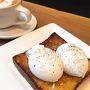 3日目の朝は、ブルーボトルコヒーでの朝ごはんから始まりました。 スコッチエッグトースト。 前日、フェリービルディングで飲んだカフェラテがおいしすぎたのでリピートです。