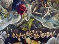この教会の見学は教会堂の建物でもなく「オルガス伯の埋葬」という1枚の祭壇画だけです。これはエル・グレコ最大の460×360センチの非常にモニュメンタルな大作です。絵の下半分には地上の世界で上半分には天上の世界が広がっています。美しい金髪の天使が真ん中に描かれ、二つの世界をつなぐ役目をしています。抱えられているのは、生まれたばかりの赤ん坊の姿をした死者の魂です。当時は、天国へ向かう死者の魂が、このように導かれると考えられていたようです。  オルガス伯はサント・トメ聖堂の保護者であり熱心な信者でした。タイトルには伯爵とされていますが、彼が伯爵となったのは実は死後のことで、当時はオルガスの町長であり、名前はゴンサロ・ルイスといいました。