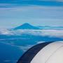 羽田を定刻通り出発。 富士山がくっきり。