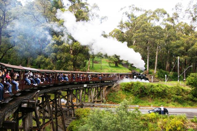 蒸気機関車パッフィンビリー