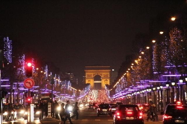 【1位】パリのクリスマスマーケット (マルシェ ド ノエル)