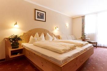 ランドホテル ポスト アン デル タルスタシオン 写真
