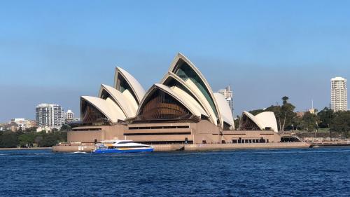 暑い夏だからこそ涼しいシドニーへ