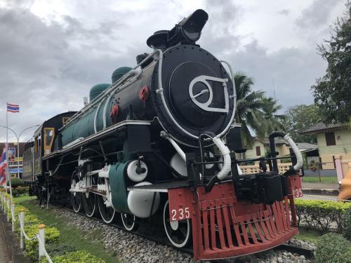 タイ南線の旅! 修行に最適な 特急列車は 冷凍車とサウナ付き? チュムポンに到着