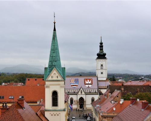 秋のクロアチア等 4ヵ国周遊個人旅行 8.ザグレブ市内散策とミロゴイ墓地