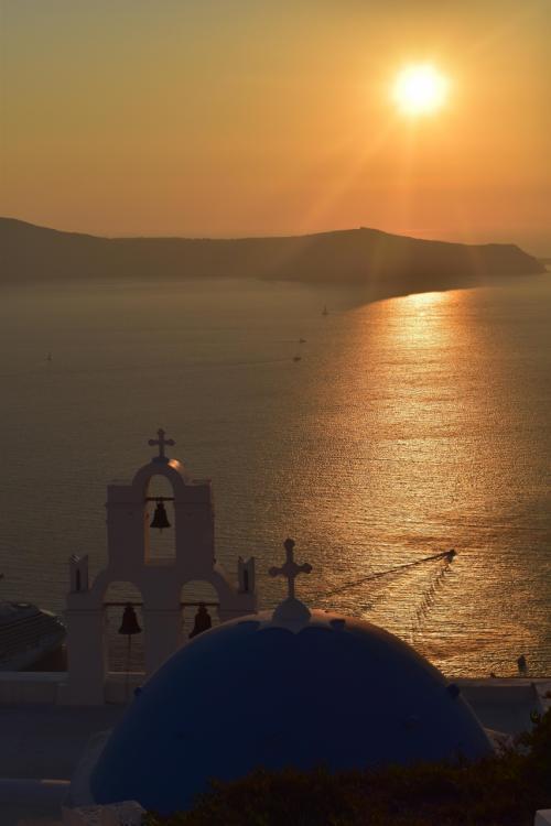 2019年子連れギリシャの旅(4)~青ドームの島・サントリーニで海と山の空中散歩