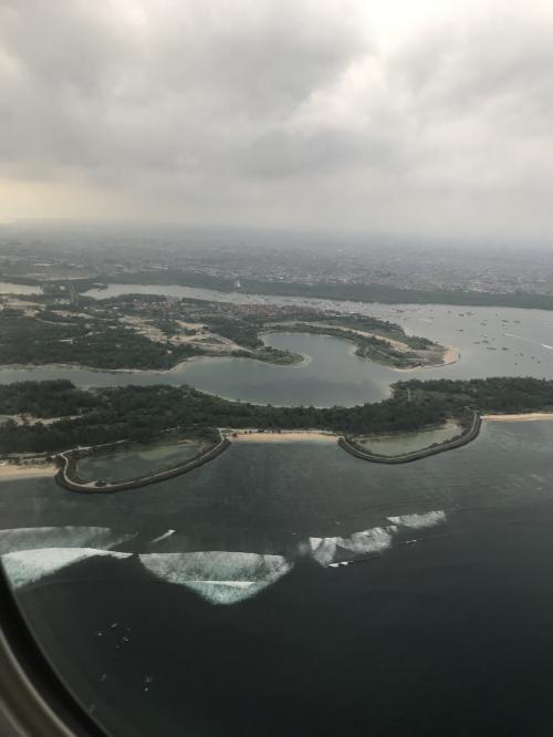 2020バリ島旅行記 成田空港からバリ島へ ガルーダ直航便ファーストクラス。 到着後スーパーでお買い物。