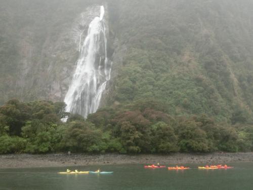 2020新春 ニュージーランド14:世界遺産ミルフォードサウンド 待望のクルーズは残念ながら雨