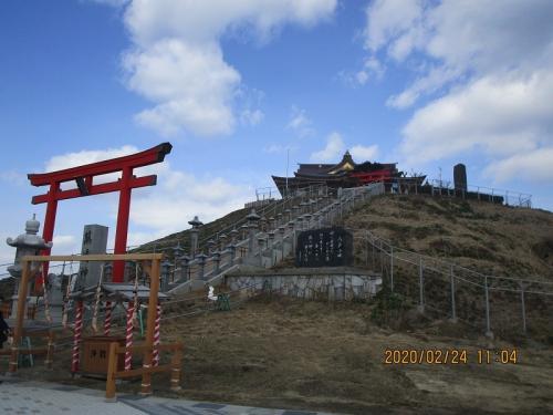 うみねこの群生地 八戸蕪島神社 八戸太郎伝説の西宮神社 みちのく潮風トレイル