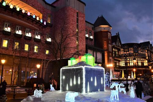 札幌市内の一日散歩2020冬~巨大なモアイ像、りんご倉庫、明治の取水塔、白い恋人パーク~
