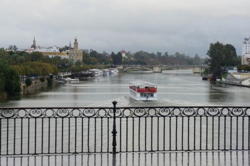 グアダルキビル河の河岸散歩(セビージャ)