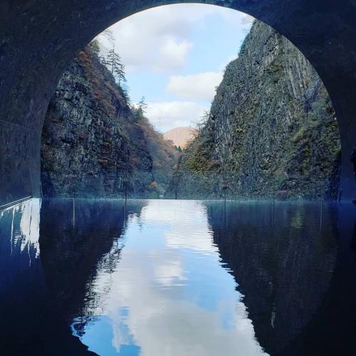 シニアトラベラー!GO TO キャンペーン清津峡溪谷トンネルと温泉満喫の旅
