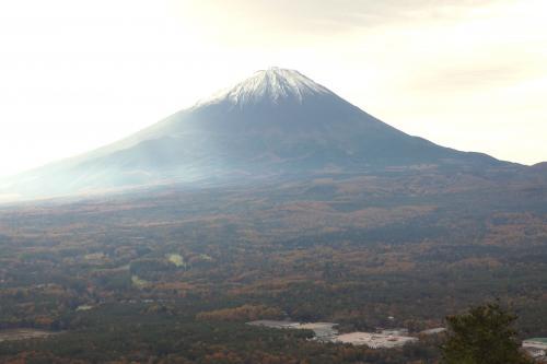 秋のエクシブ山中湖1泊 紅葉台(こうようだい) 紅葉台レストハウス展望台から秋の絶景を楽しみます