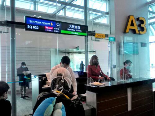 新型コロナ下に帰国…プノンペン→シンガポール→大阪