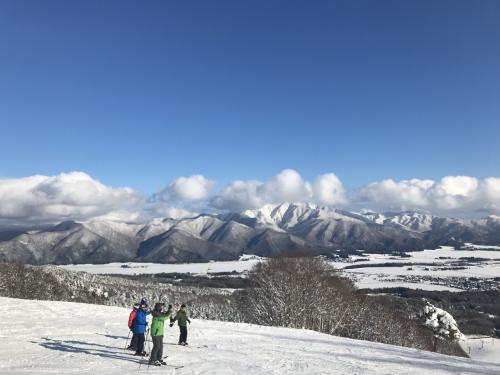 平日はリフト券代がタダ! 2021年初滑りは猪苗代スキー場で