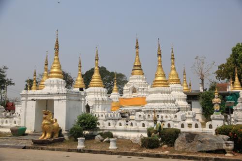 バンコクから車でチェンマイ観光へ<4日目帰路:ランプン、ランパン、カンペーットペ遺跡>