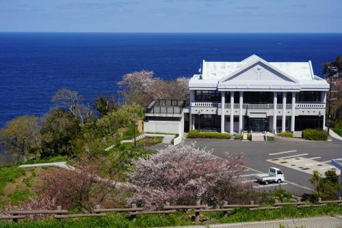 北へ。越前岬-丸岡-大野。桜は少なめで城めぐりに。