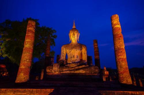 タイの遺跡を全部巡るつもりが、コロナの影響で北部だけで終わってしまった旅 その31体力復活夜景撮影へ