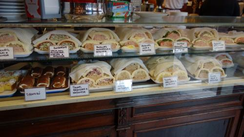 約3週間のイタリアの旅 9日目・朝ご飯はサンドイッチ ブラーノ島とムラーノ島に行き、夜は毎度のバーカロ 編