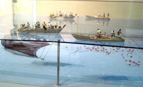 ハンブルク アルトナ博物館で見た網漁展示の謎が解けた / 千葉県 館山の『渚の博物館』圧倒的な網漁のジオラマ