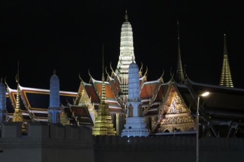 バンコクのライトアップツアー-エメラルド寺院-ワットポー-ワットアルン-カオサン-中華街-タニヤ