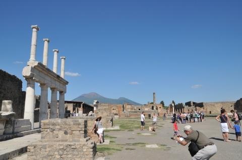 2013年南イタリア旅行記 第28回 ポンペイ遺跡を見学 その1 フォロ周辺を歩く