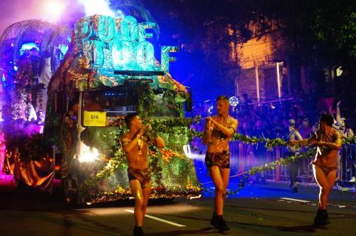 シドニーLGBTQの祭典マルディグラ・パレード (LGBTQ Mardi Gras parade in Sydney)