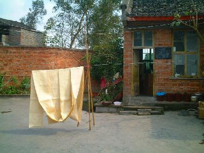 重慶郊外の麻織物工場