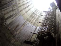 今度は地下60メートル地点にある放水路を見学