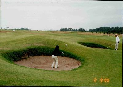 セントアンドリュースでゴルフ