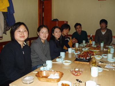 延吉 朝鮮族の学生さんと食事会 接した学生200名ぐらい