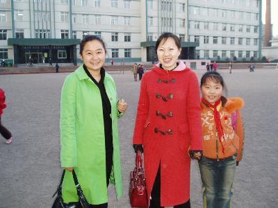 延吉 朝鮮族小学校の映画上映会の後