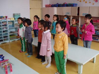 延吉 朝鮮族幼稚園で誕生会