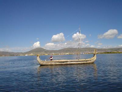 チチカカ湖からボリビア国境へ