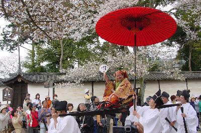 豊太閤花見行列の日とは知らなんだ(^^ヾ@醍醐寺☆2005年4月10日