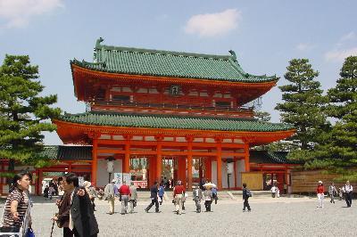 枝垂桜のこみちは必見!@平安神宮☆2005年4月16日