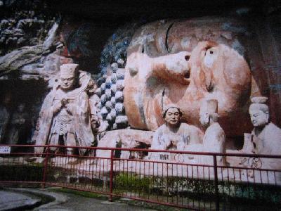 中国四川省の世界遺産を巡る旅(苔むす大足石刻は見事!)