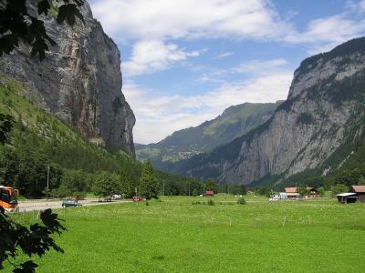 スイスアルプスハイキング旅行2004 U字谷展望?ミューレン~アルメントフーベル~ミューレン~シュテッヘベルク