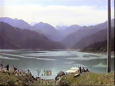 中国・シルクロードの旅【1】 雪山が美しく映える天池 ウルムチ