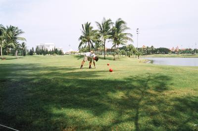 第8日目 ゴルフとパーティー