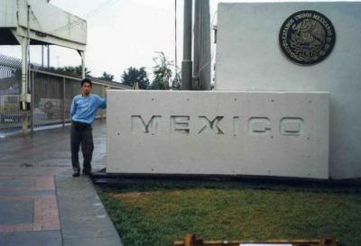 国境を越えてメキシコ、ティワナへ( ふた昔前のアメリカ横断バス旅行?)
