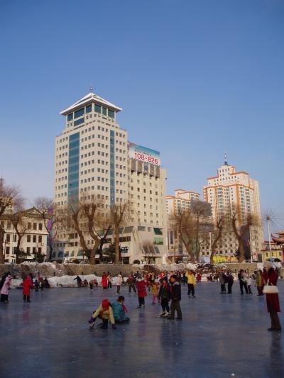 延吉 青年湖でスケートの授業