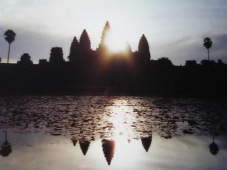 CHO−GENKIカンボジア・ラブワゴンの向かう先