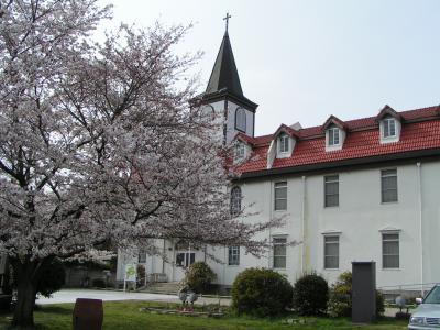 やきものの町多治見の教会で花見をしました