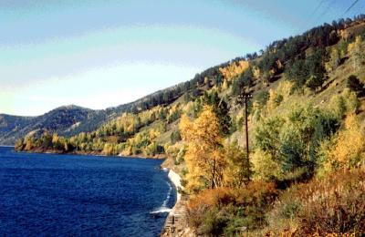 シベリア鉄道四「神秘的なバイカル湖」