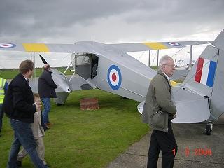 友人夫婦とイギリスの旅『ケンブリッジと複葉機』
